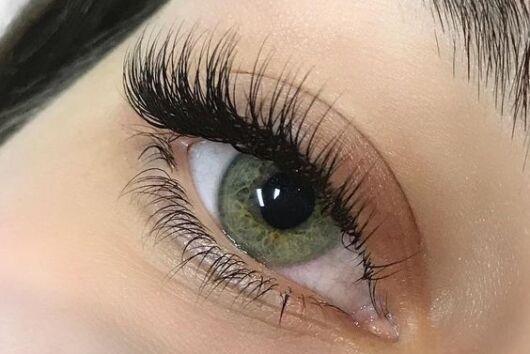 medium russian volume eyelash extensions